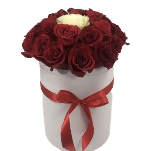 Коробочка 21 троянда Неповторна фото
