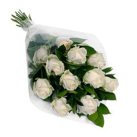11 білих троянд