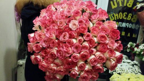 фотозвіт 101 червона троянда джумілія