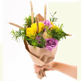 маленький букет квітів