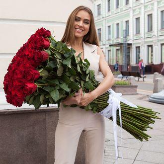 червоні троянди довгі