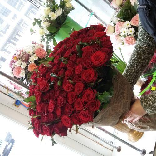 фото букета 101 червона троянда
