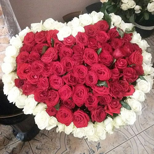 фото букета 101 троянда серце