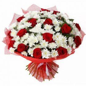Букет «Великий подаруночок» троянди та хризантеми