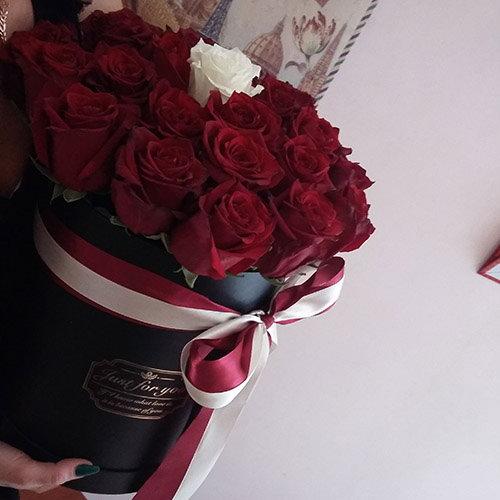 фото букета Коробочка 21 троянда