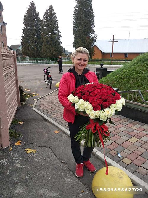 букет 101 троянда сердце