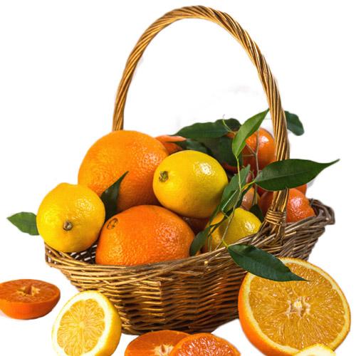 Кошик вітамінів із цитрусами