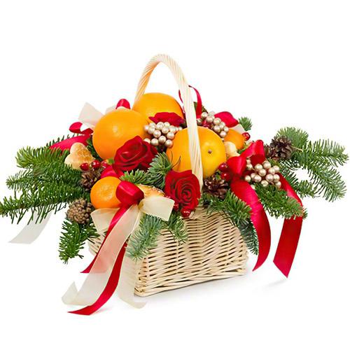 """Кошик """"Святковий презент"""" з мандаринами та трояндами"""