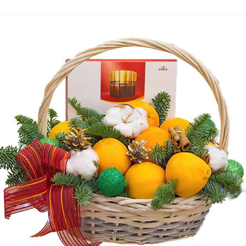 """Кошик """"Зимовий презент"""" в мандаринами, цукерками та гілками ялинки"""