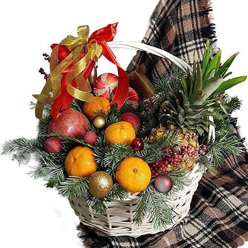 """Кошик """"Веселих свят"""" фрукти та новорічні прикраси"""